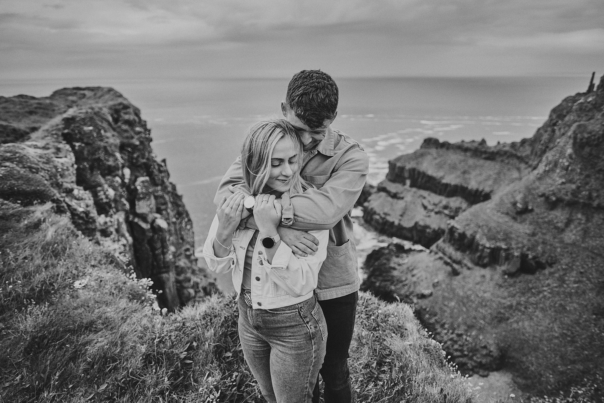 giant's-causeway-couples-adventure-session